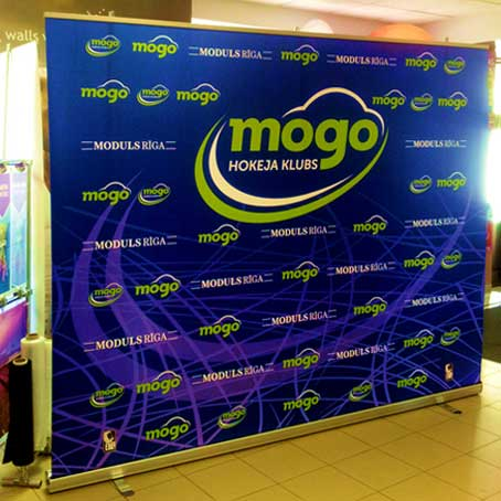 200x200 Roll up Banner